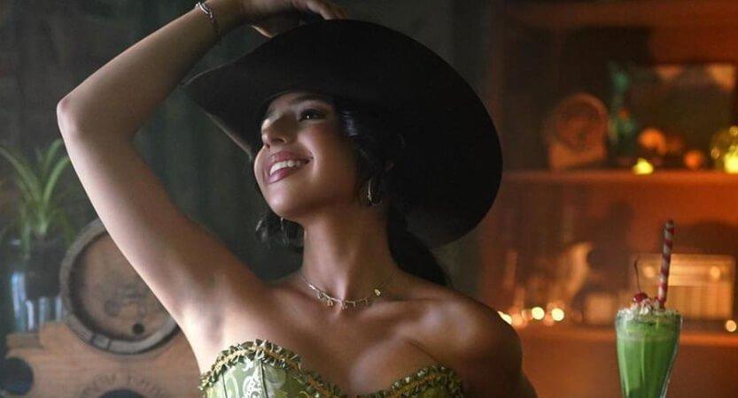 Angela Aguilar llena de glamur al género regional mexicano